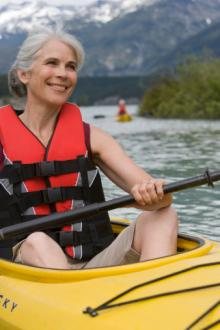 senior-woman-kayak